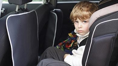 Copilul tău are rău de mașină? Iată cum îl poți ajuta