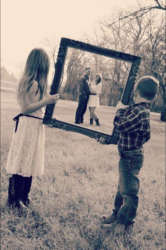 El și Ea în drumul spre Mami și Tati
