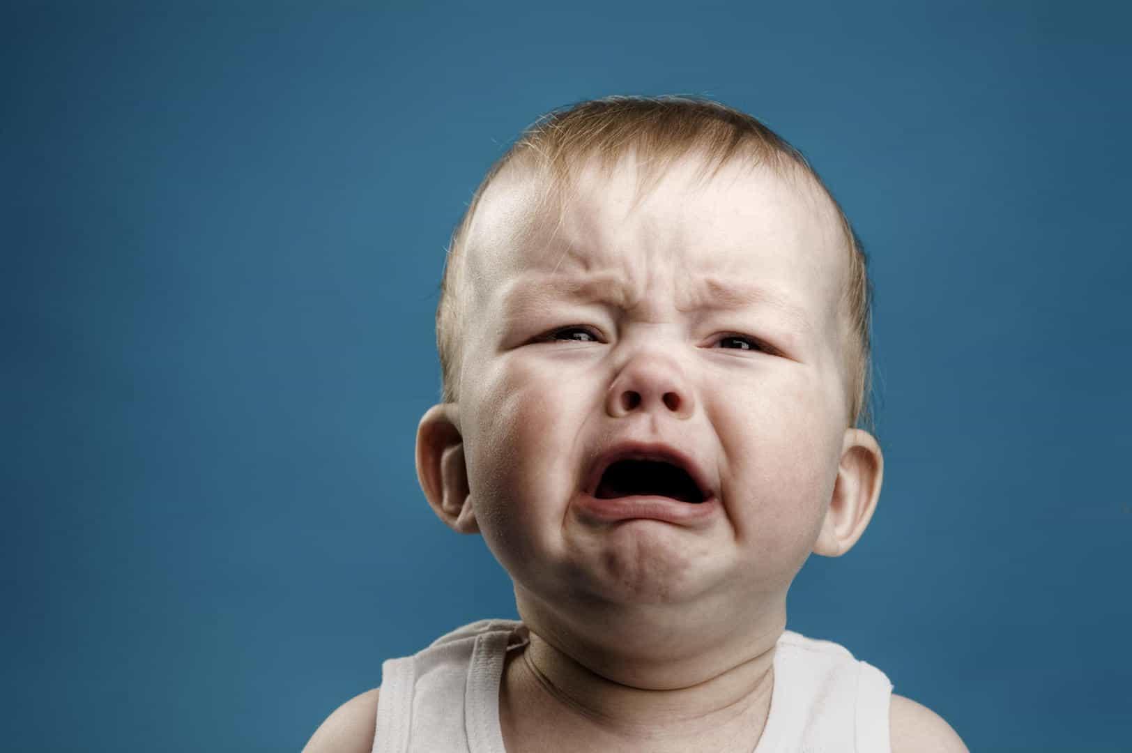 """""""Nu mai plânge!"""" - un îndemn desuet care poate fi înlocuit ușor"""